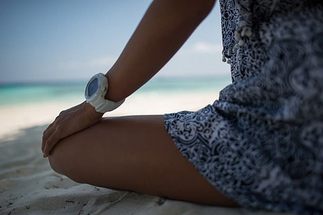 Suunto D4i Novo White on Beach